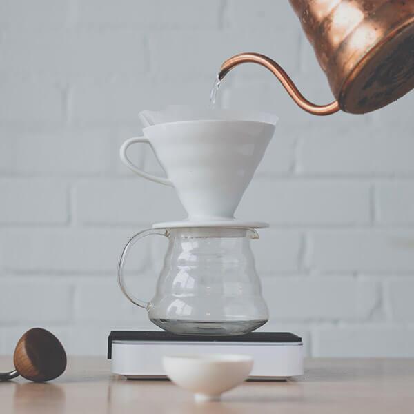 Dobrý kafe, překapávaná káva - dripper